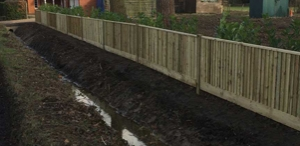 Image of wood fencing - Fencing Berkshire, Hampshire and Surrey - Fencing contractors Berkshire Hampshire Surrey