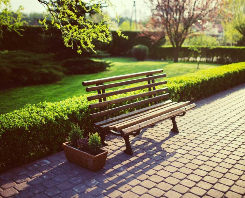 Image of garden bench - Landscaping services Berkshire, Hampshire and Surrey – landscape gardening, garden benches and seats Berkshire, Hampshire and Surrey.
